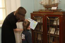 Интерактивно-мультимедийное путешествие по основной экспозиции музея с путеводителем для детей и родителей «Я поведу тебя в музей»