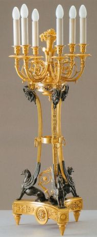 Канделябр с грифами на шесть свечей. Франция, Мастерская П. Гутьера. Бронза, золочение. Конец XVIII века.