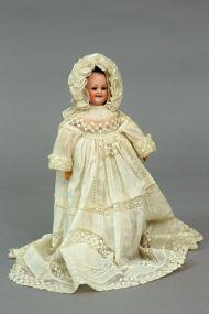 Кукла с тремя выражениями лица. Франция. Начало XIX века. Фарфор, ткань.