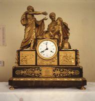 Часы каминные со скульптурной группой «Самоубийство Лукреции» Франция. Первая четверть XIX века. Бронза золоченая, патинирование, литье, чеканка. Часы, по легенде, принадлежали Пушкину.