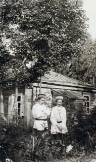 Андрей Белый и С.М. Соловьев. Дедово. 1900-е. ГМП.