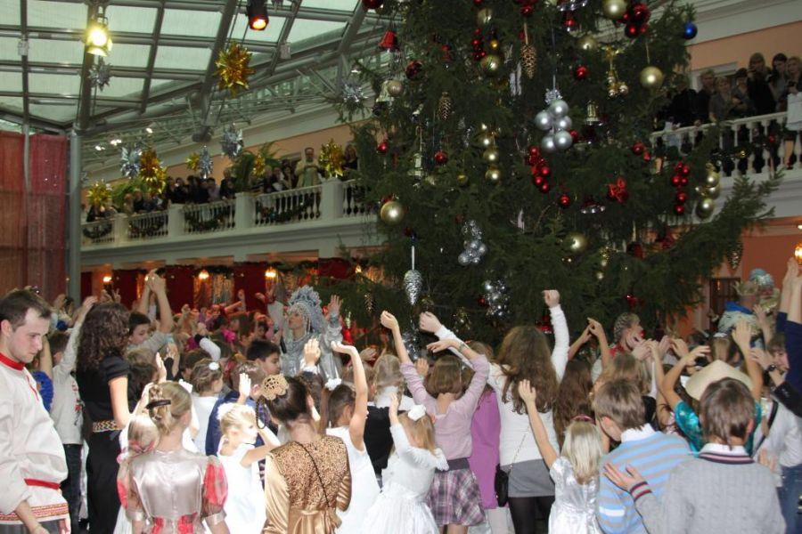 Билет на новогоднюю елку в музей пушкина купить билеты в театр на 3 января