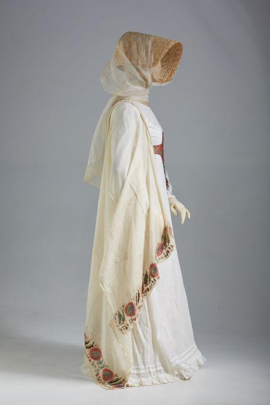 Женские платья пушкинских времен фото