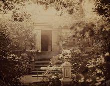 Фотоателье В. Лапре. Вид дачи в Царском Селе. 1870-е. Альбуминовый отпечаток